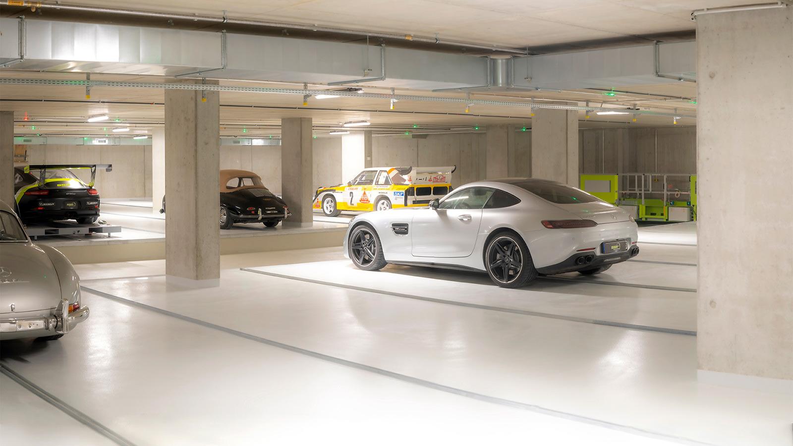 Fahrzeugeinlagerung in Stickstoffgarage mit Sportwagen und Oldtimern – SSR Performance